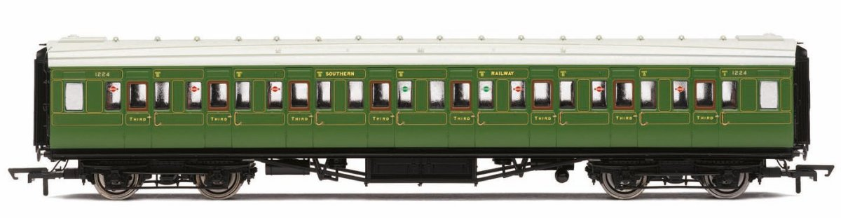 R4769 Hornby Maunsell Corridor Third Class Coach number 1224 in SR Olive Green livery