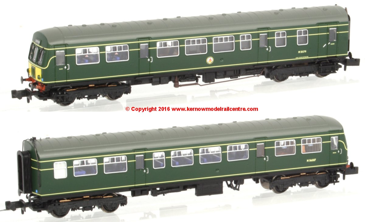 371-504 Graham Farish Class 101 2 Car DMU in BR Green livery with small yellow panels