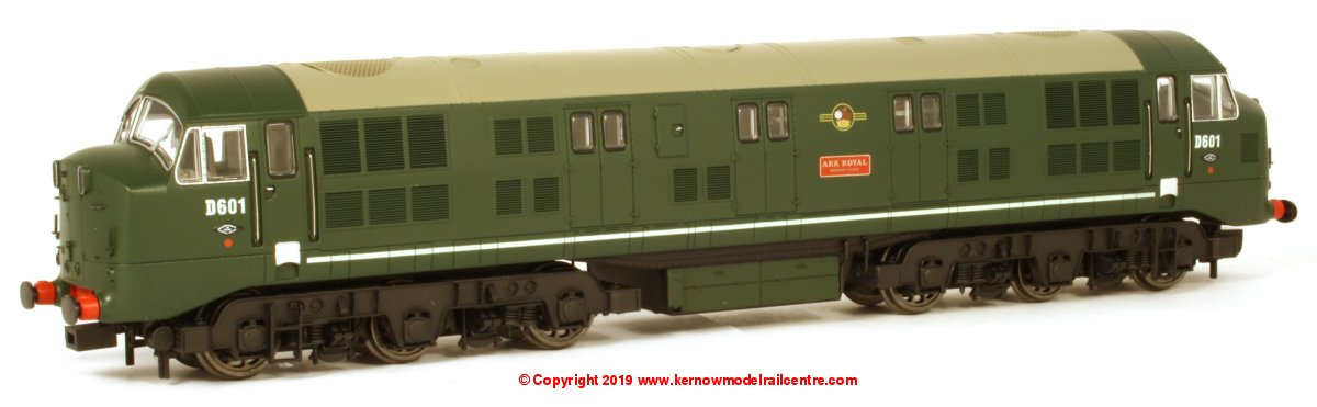 "K2601 Class 41 Warship Diesel Locomotive number D601 named ""Ark Royal"" in BR Green livery with no yellow ends, headcode disks and louvres"