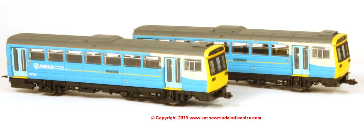 ND116D Dapol Class 142 2 Car Pacer DMU number 142 085 in Arriva Trains Wales livery
