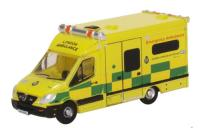 NMA002 Oxford Diecast Mercedes Ambulance London