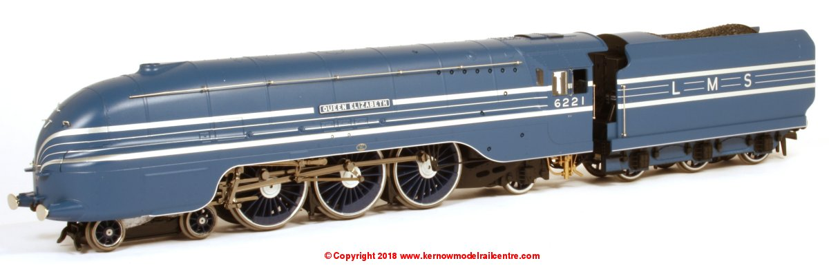 R3623 Hornby Princess Coronation Class Steam Locomotive number 6221 named 'Queen Elizabeth' in LMS Blue livery