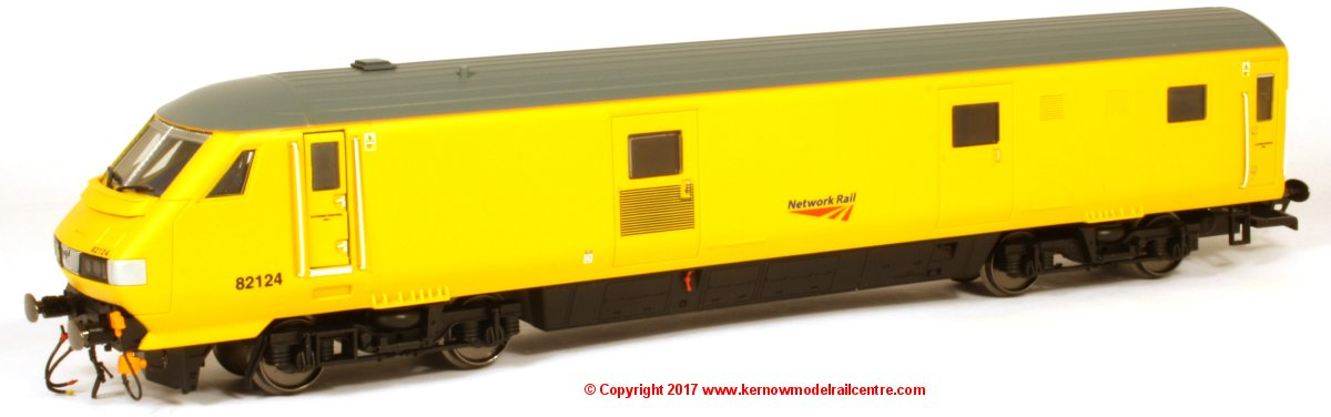 R4869 Hornby Mk3 Driving Van Trailer number 82124 in Network Rail livery