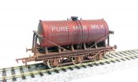 4F-031-038 Dapol 6 Wheel Milk Tanker - Co-op Milk Red livery with weathered finish.