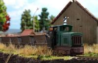 12001 Busch Narrow gauge train set with peat wagons