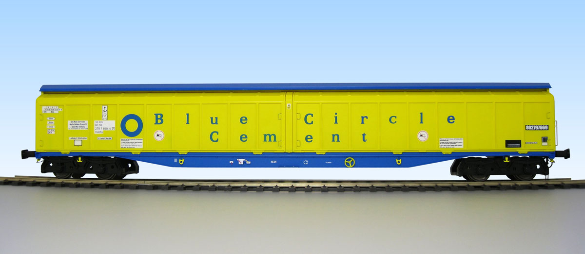 5054 Heljan Cargowaggon number 2797 669 in Blue Circle Cement livery
