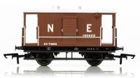 R6833 Hornby LNER Dia.034 Toad B 20 Ton Brake Van number 140422 in LNER Brown livery